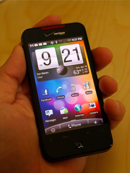 Verizon-HTC-Droid-Incredible-hands-on-006-536x714