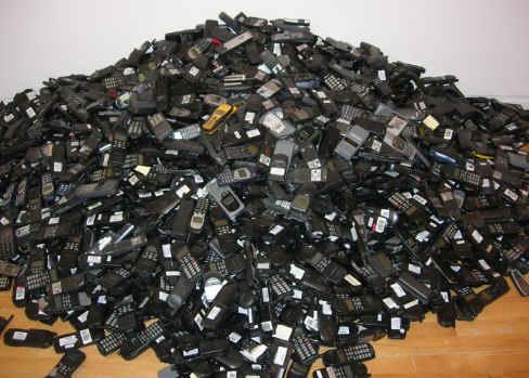 trash handset
