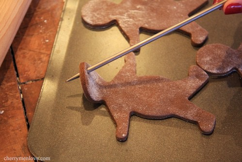 How To Make Gingerbread Men Christmas Decorations -3 - Cherry Menlove