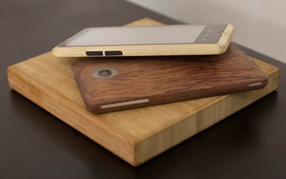 The ADzero Bamboo Smartphone Brings Quad-Core Speed Inside A Natural Case