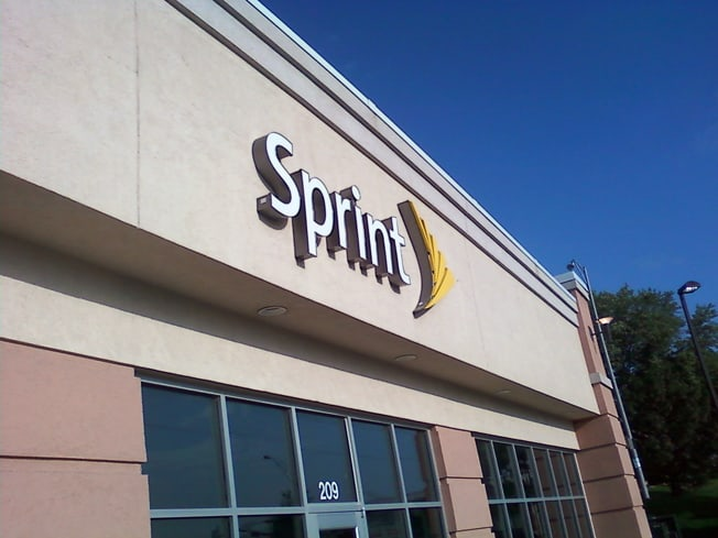 sprint-store-sign110824121803