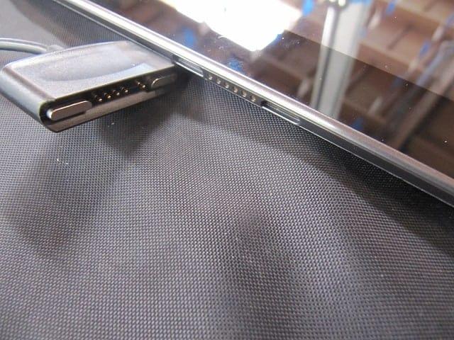 Nexus 10 Pogo Charger from elmo