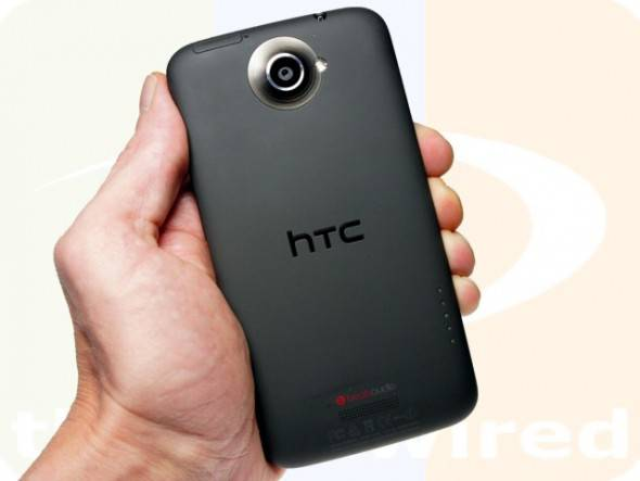 htc_one_x_hand_back