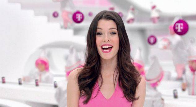 ITT: I aware you of Carly Foulkes (T-Mobile Commercial