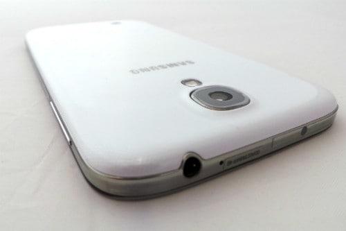Samsung-Galaxy-S4-Back-Edge