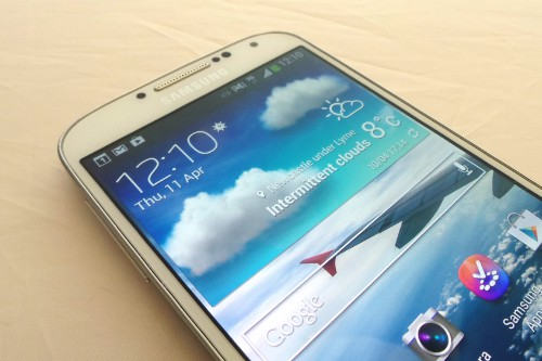 Samsung-Galaxy-S4-Front-Top