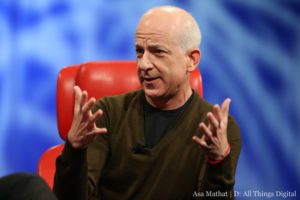 Former Microsoft Executive Steven Sinofsky Now Uses An HTC One
