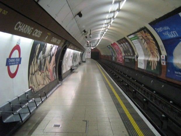 800px-Charing_cross_london_underground