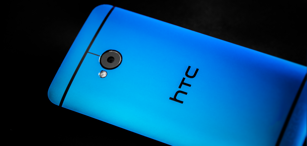 Blue HTC One 9