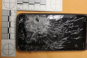 Android SmartPhone HTC EVO 3D Saves Store Clerk From Bullet Shot