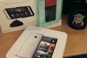 Clerk Saved When a Bullet Hit His HTC EVO 3D, Receives Early Christmas Gift From HTC – A New HTC One