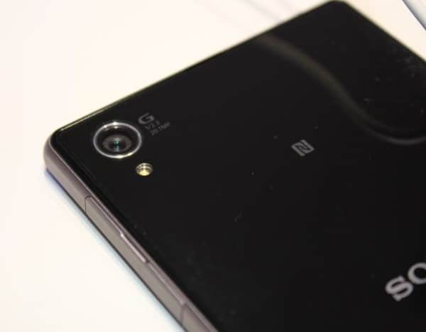 tech-sony-xperia-z1-smartphone-3