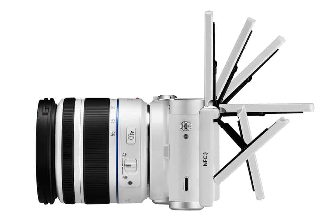 NX300M 009 Dynamic white