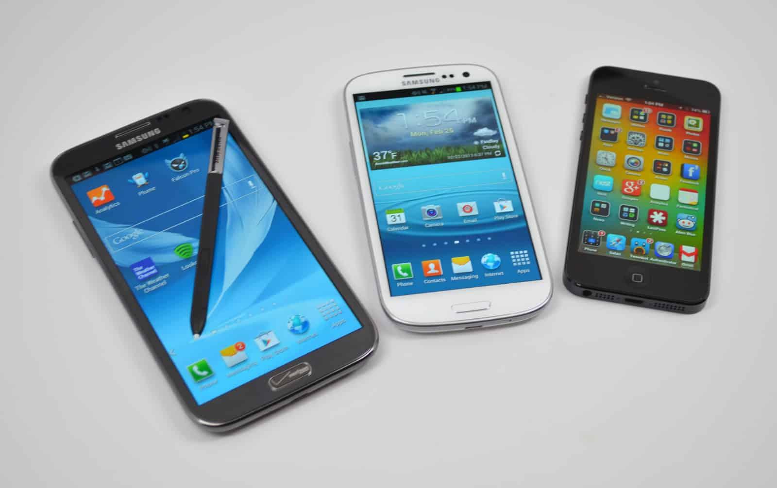 Samsung-Galaxy-Note-2-vs-Galaxy-S3-vs-iPhone-5-6