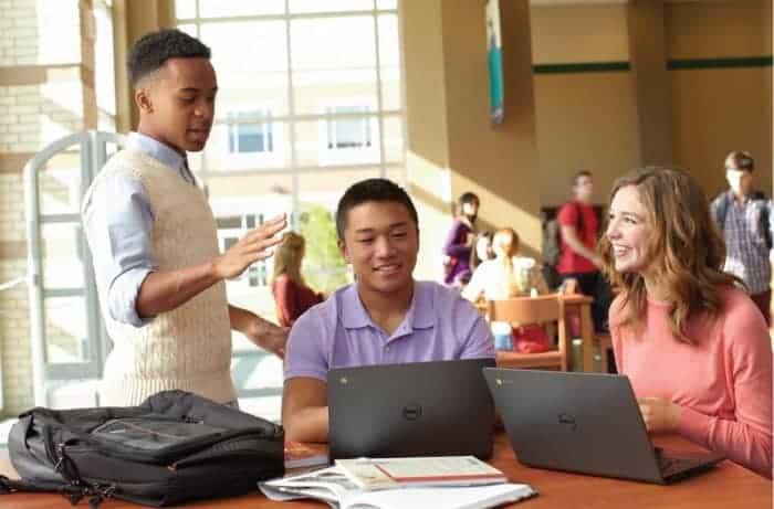 ChromebookinClassroom