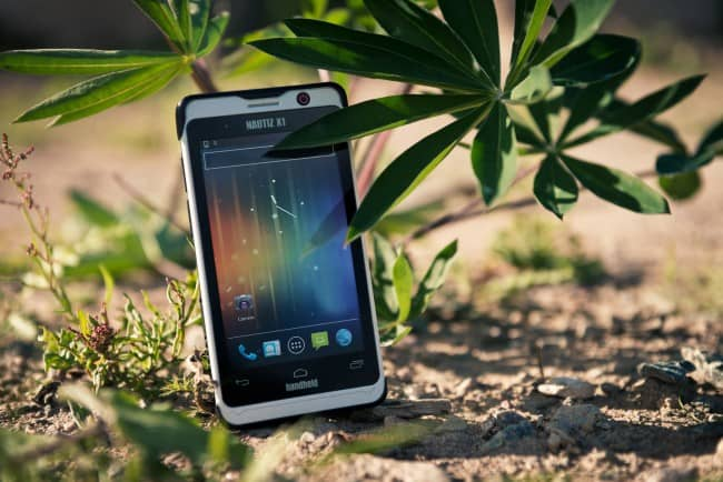 Handheld-Nautiz-X1-outdoor-rugged-smartphone_nature