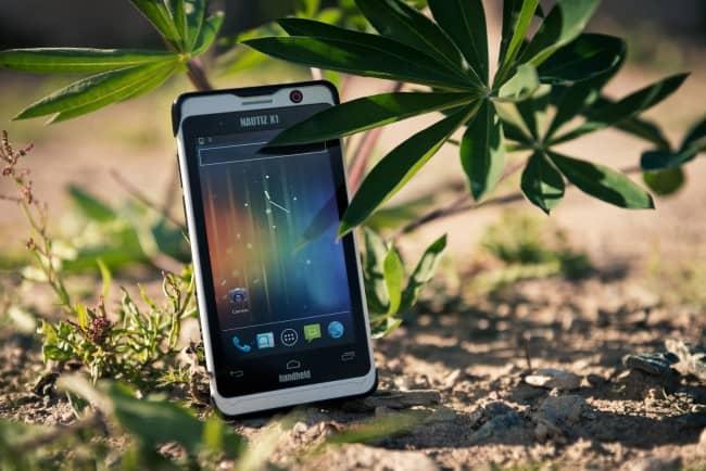 Handheld-Nautiz-X1-outdoor-rugged-smartphone_nature