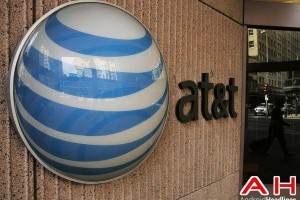 AT&T Threatens Absence at Spectrum Auction, FCC Doesn't Budge