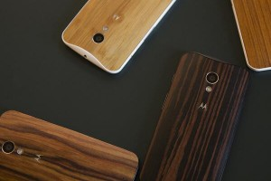 You Can Now Re-Finish Your Moto X In Ebony, Teak, Or Walnut For $25
