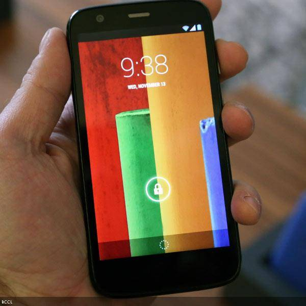 Motorola-which-is-owned-by-Google-Inc-has-come-up-with-Moto-G-it-has-a-decent-screen-The-Moto-Gs-screen-measures-4-5-inches-11-4-centimeters-diagonally-which-is-larger-than-the-iPhones-but-small-for-Android-It-runs-