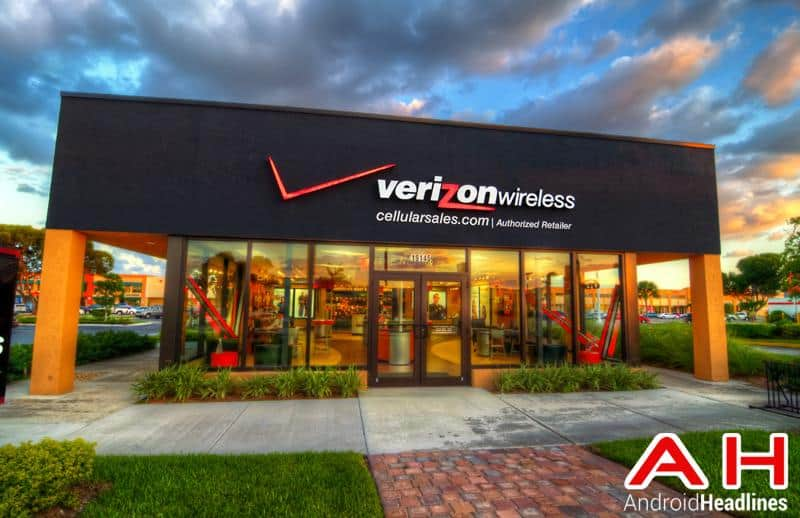 Verizon LOGO Store 3