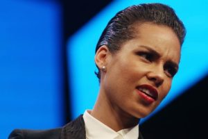 AH Tech Talk: Alicia Keys and BlackBerry Split After Only A Year