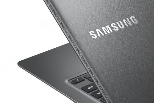 Chromebook2-13_014_Detail_Titanium-Gray