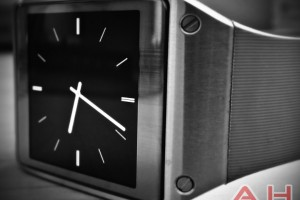 Samsung Registers Gear Clock Trademark, Redundancy Department Calls Foul