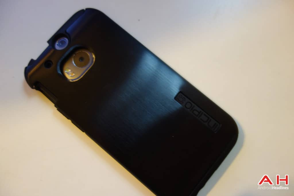 Incipio-DualPro-Shine-HTC-One-M8-AH (07)
