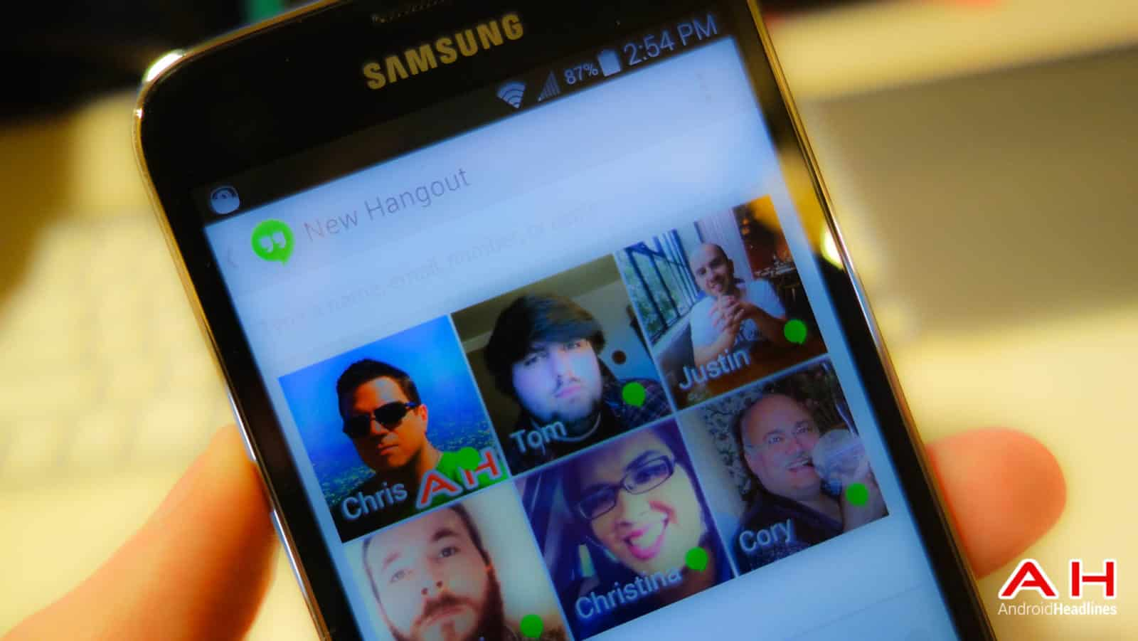 Samsung-Galaxy-S5-Hangouts-AH-1