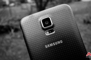 According to Launch Weekend Sales Figures, the Galaxy S5 Outsold the iPhone 5S