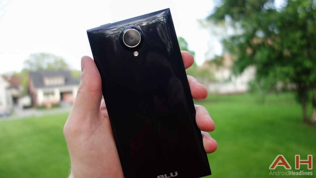 BLU-Life-Pure-XL-Review-AH-17