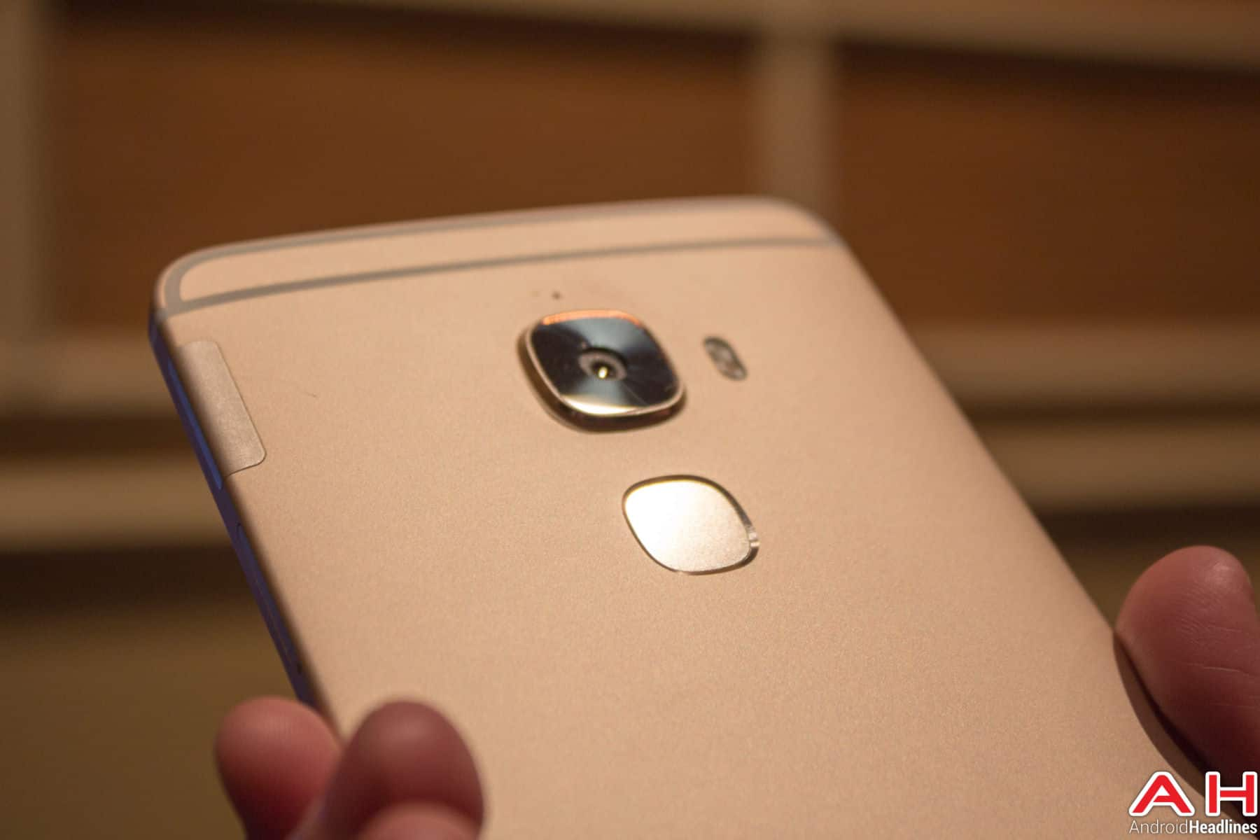Letv Max Pro Hands On AH 6