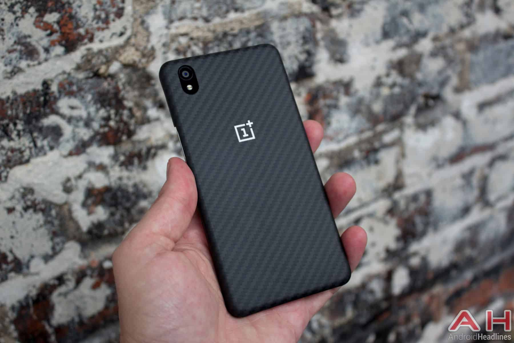 OnePlus X With Case AH-4