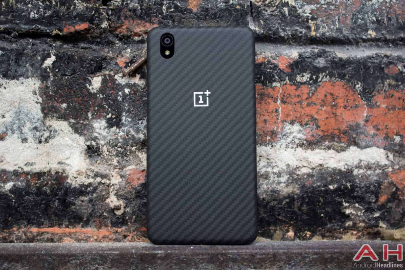 OnePlus X With Case AH-5