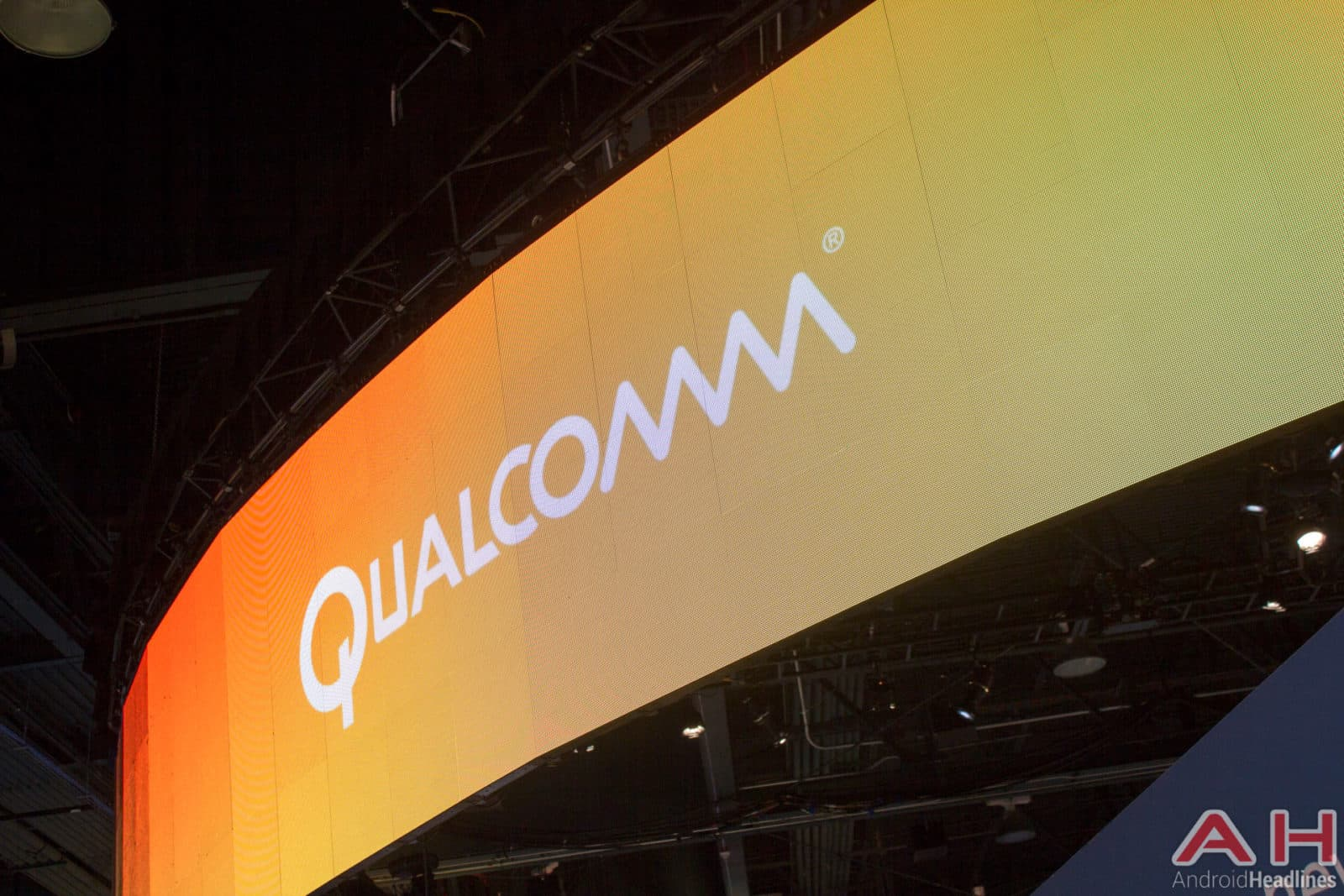 Qualcomm Logo 2016 AH (8)