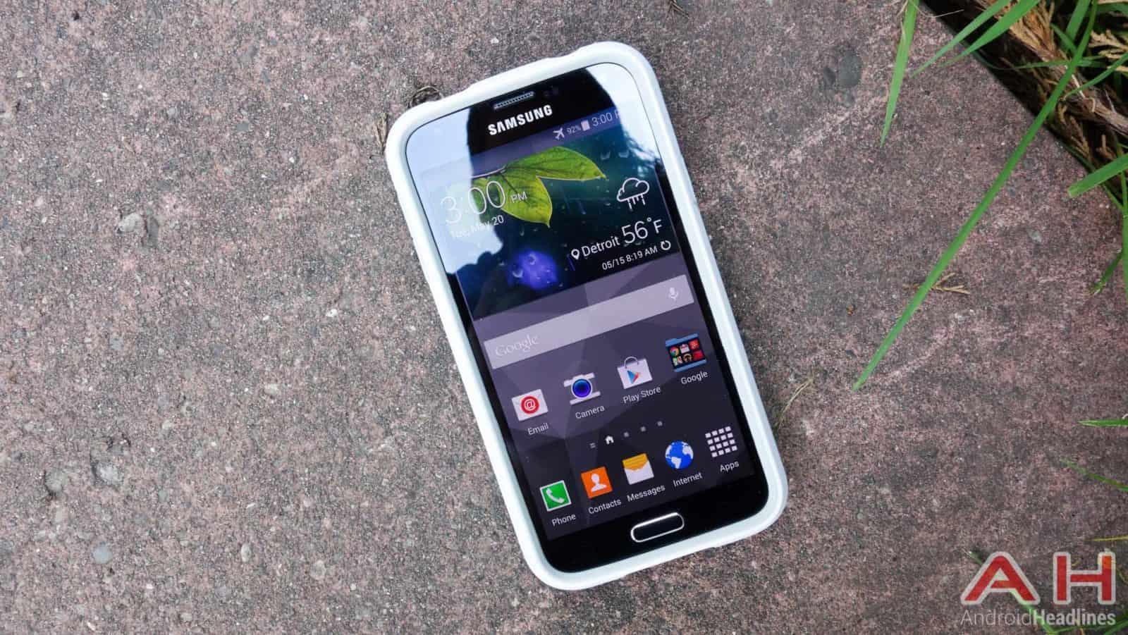 Samsung-Galaxy-S5-Pelican-Voyager-Case-Review-AH-3