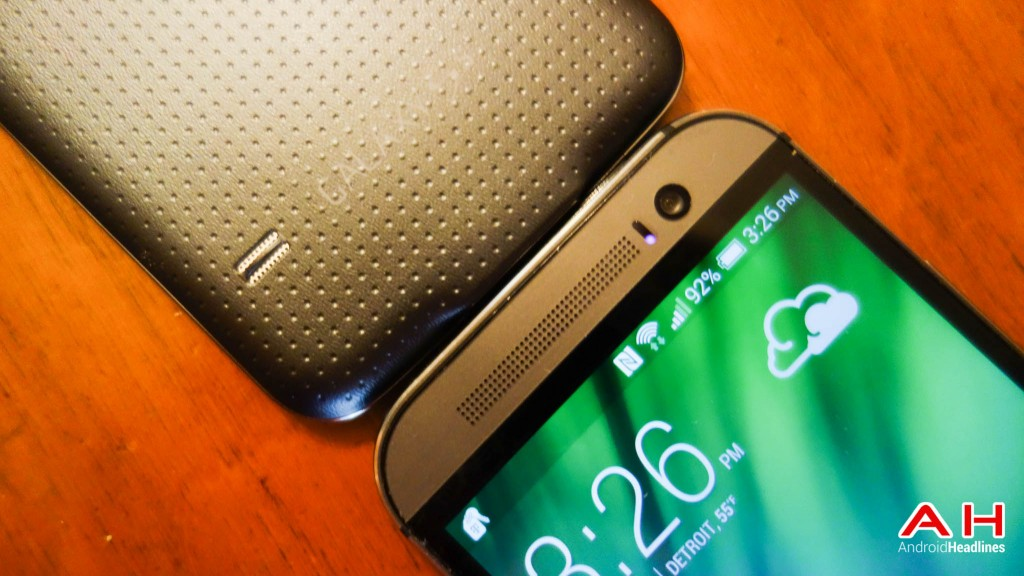 Samsung-Galaxy-S5-vs-HTC-One-M8-AH-4