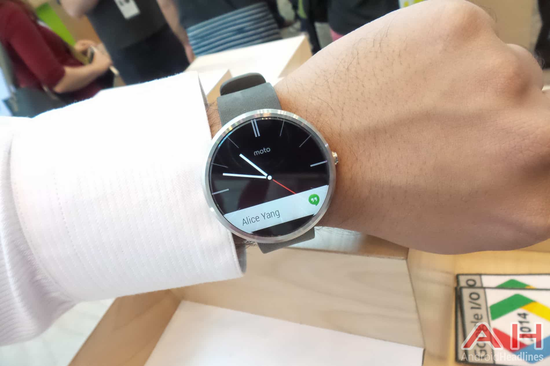 Moto 360 Confirmed To Have Ambient Light Sensor To Auto-Adjust Brightness