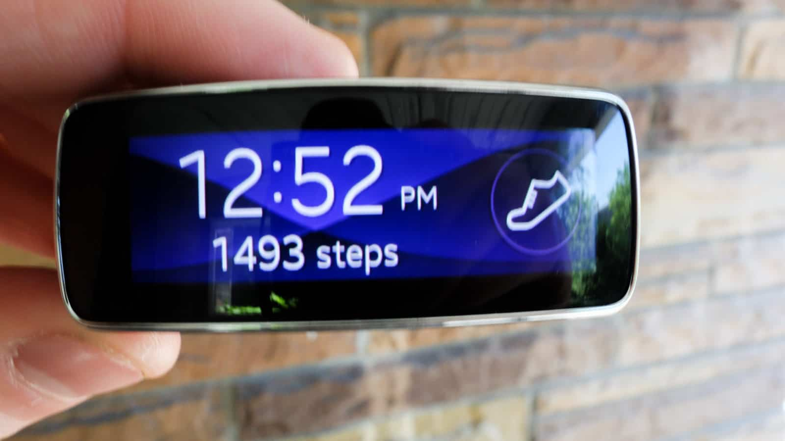 Samsung-Gear-Fit-AH-4