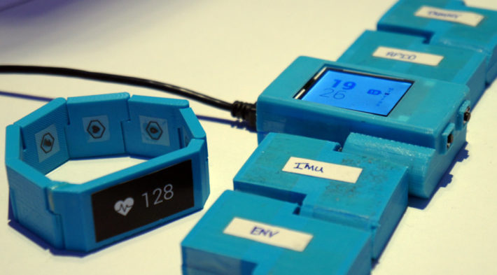 UK Modular Smartwatch, Blocks, Chooses Android Wear
