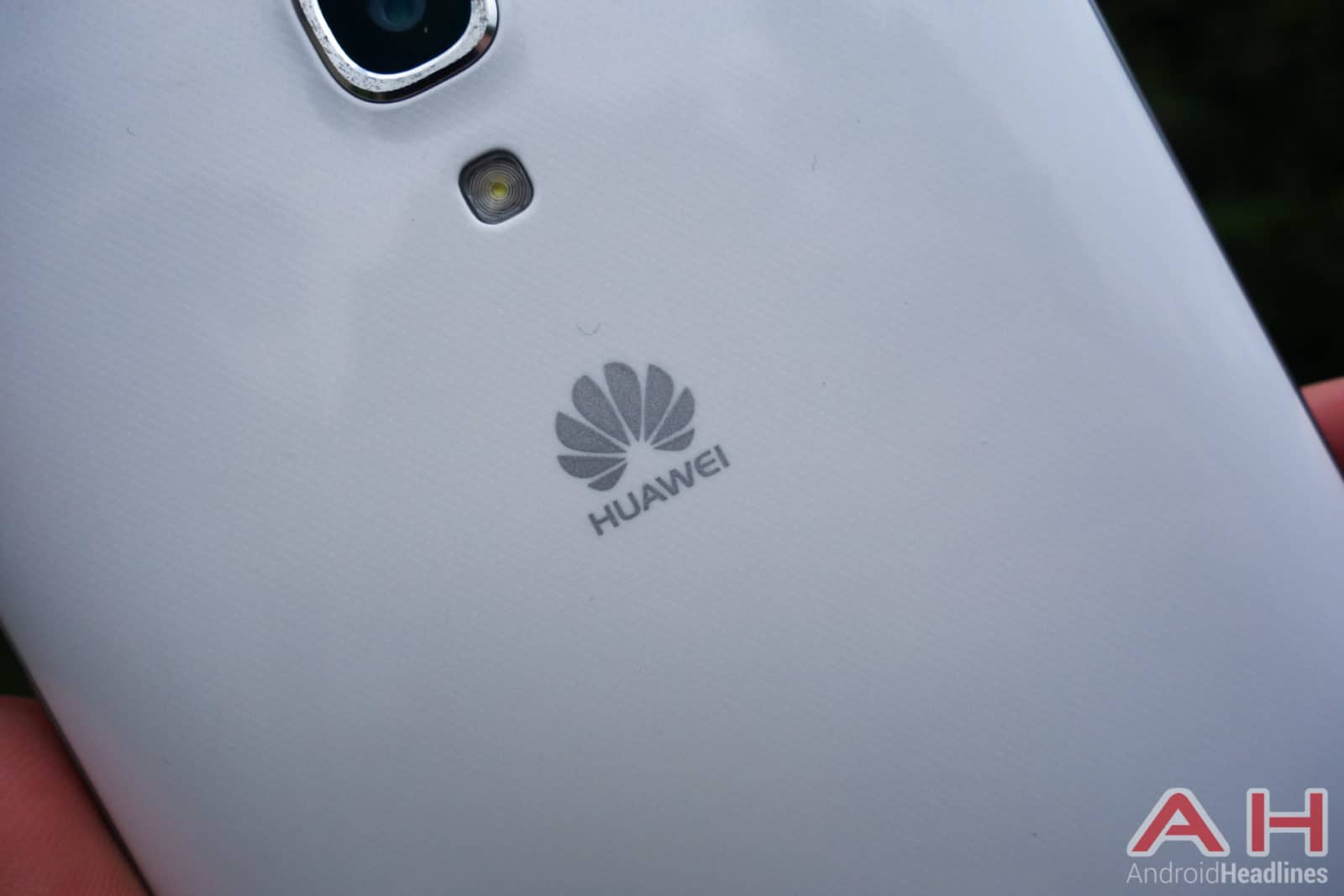 Huawei-Ascend-Mate-2-4G-Review-AH-6