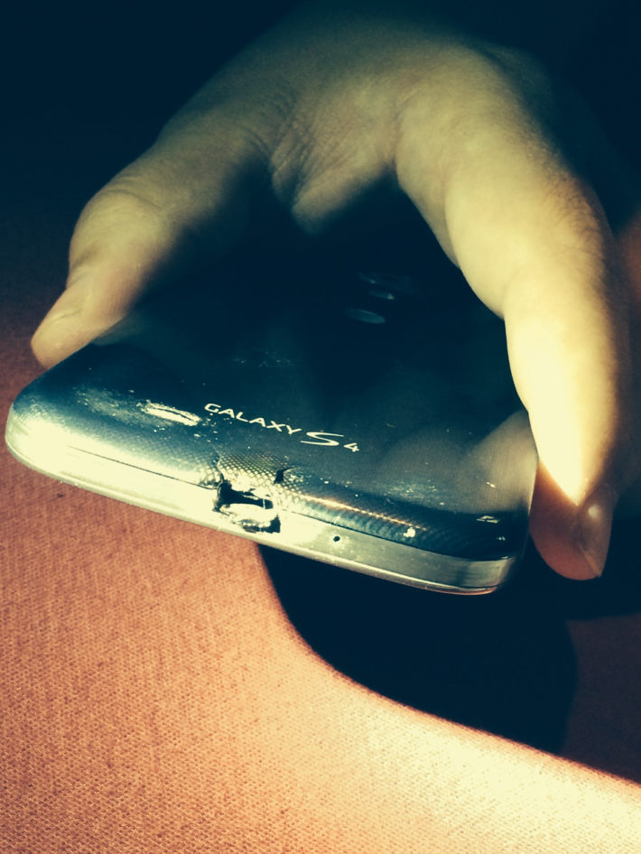 What Happens when Samsung Drops the ball on a Melted Galaxy S4? HTC Saves the Day