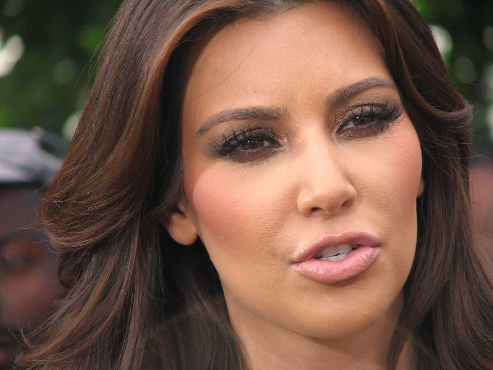 Kim Kardashian 037