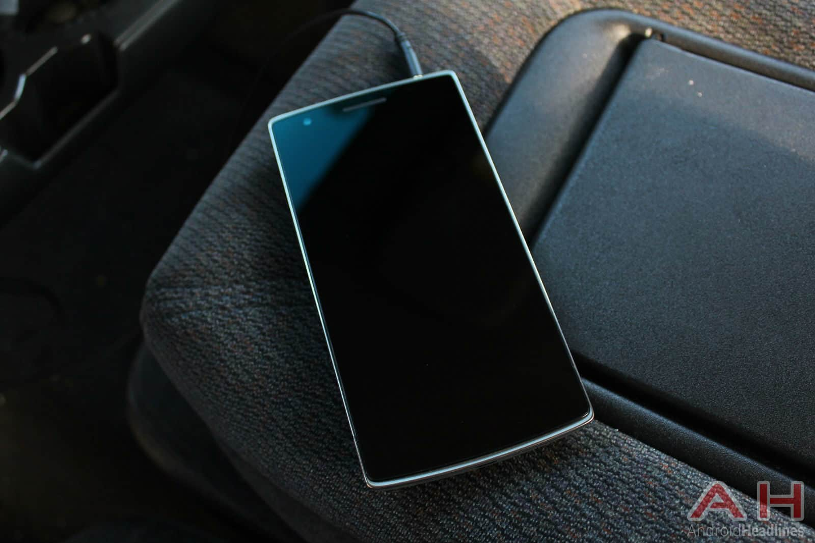 OnePlus-One-Headset