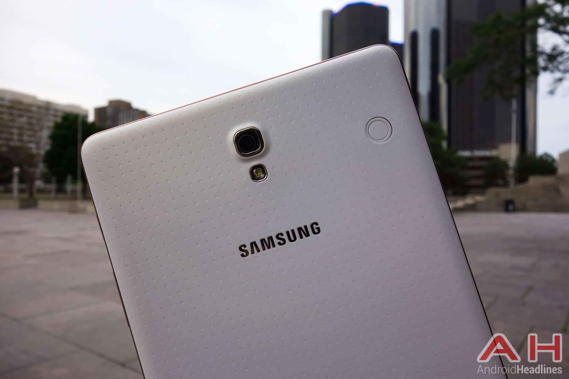 Samsung-Galaxy-Tab-S-AH-3-2