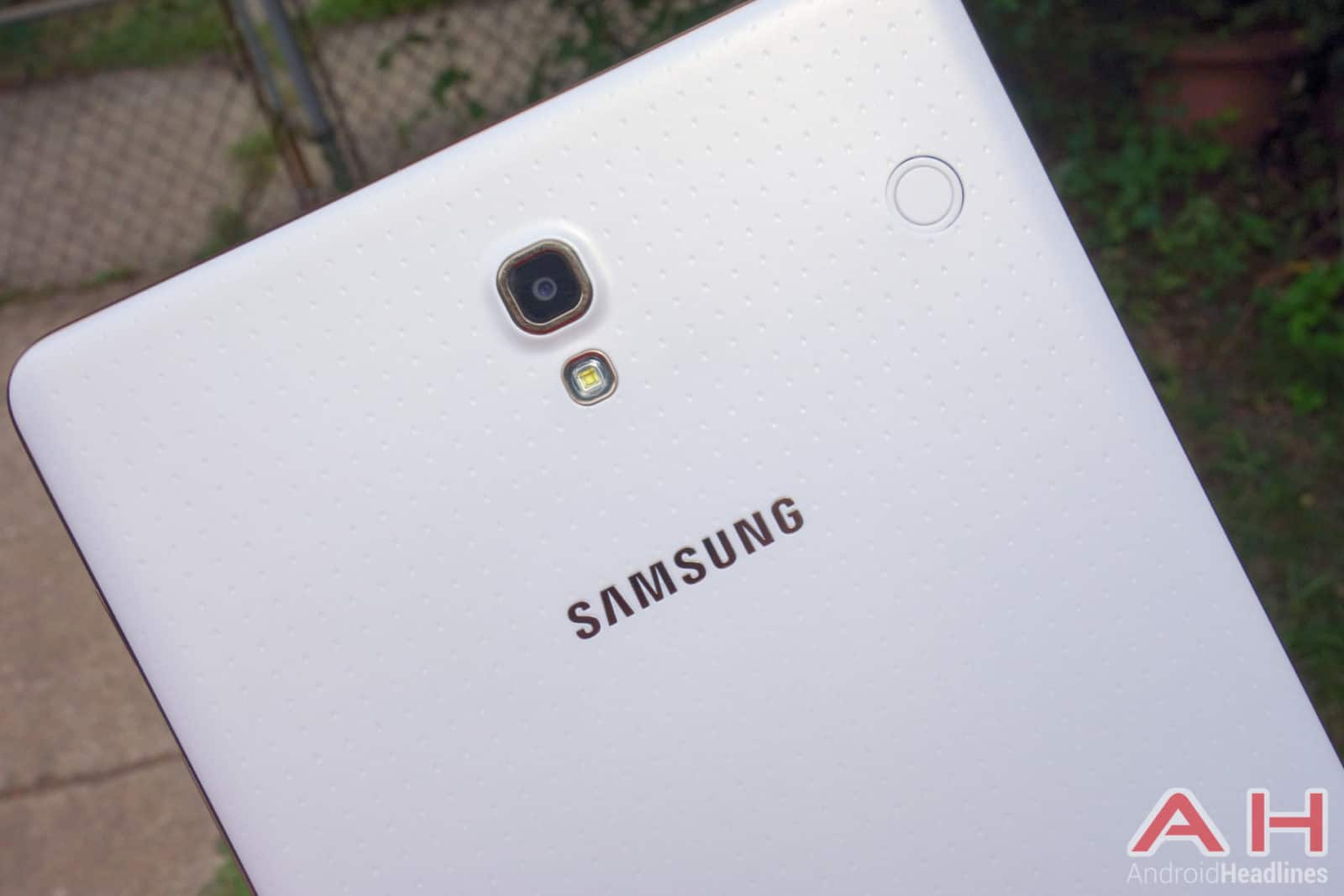 Samsung-Galaxy-Tab-S-Review-AH-19