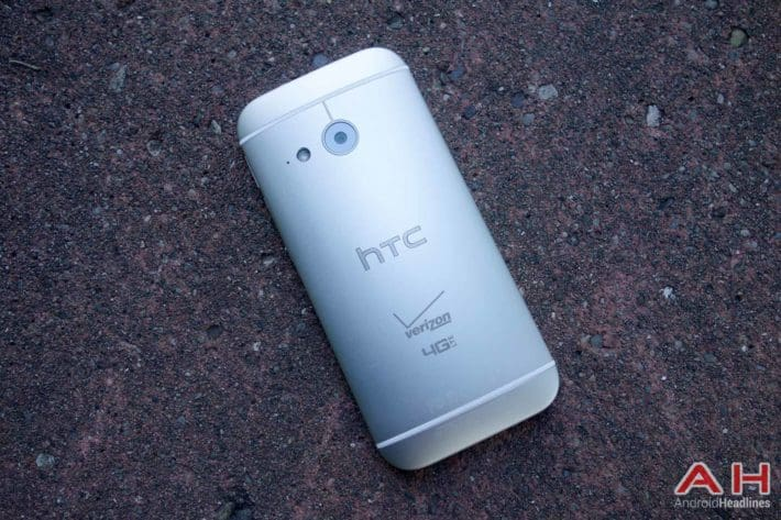 Android How To: Insert the Micro SIM and MicroSD card on the HTC One Remix