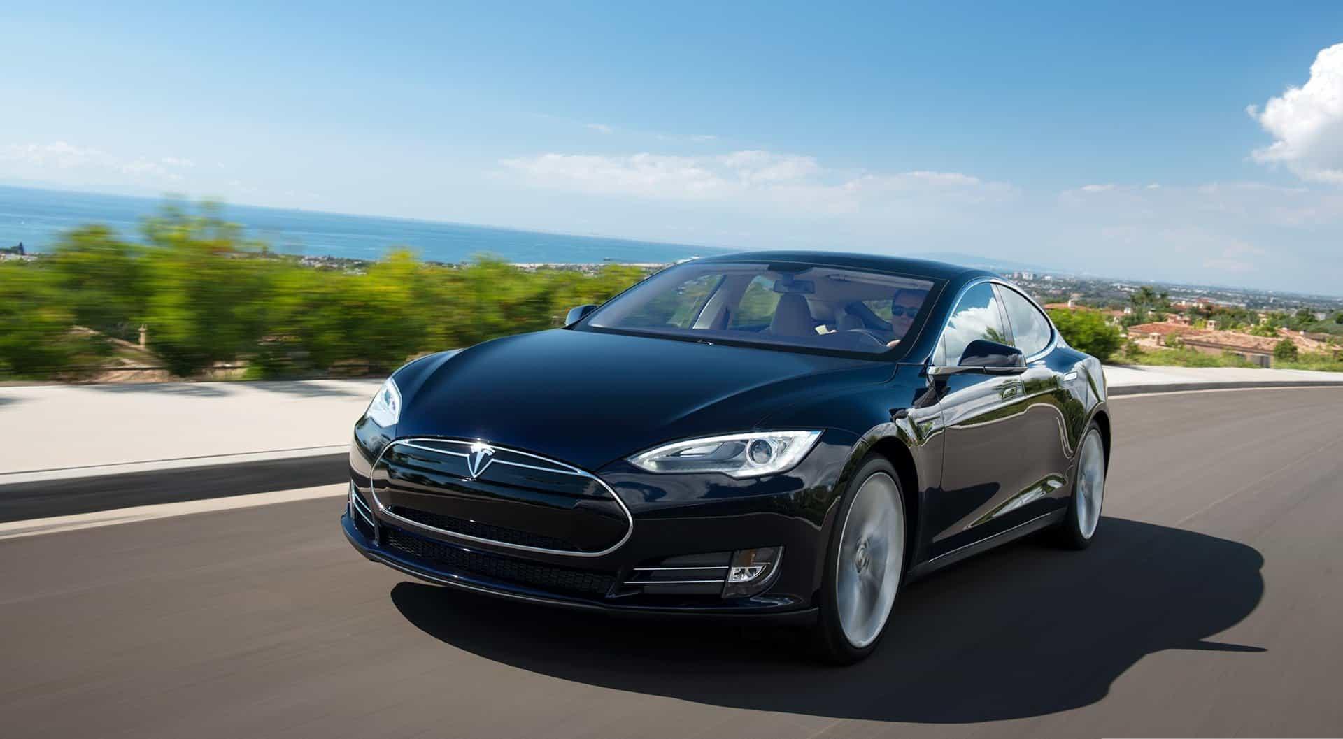 AH Tesla Model S