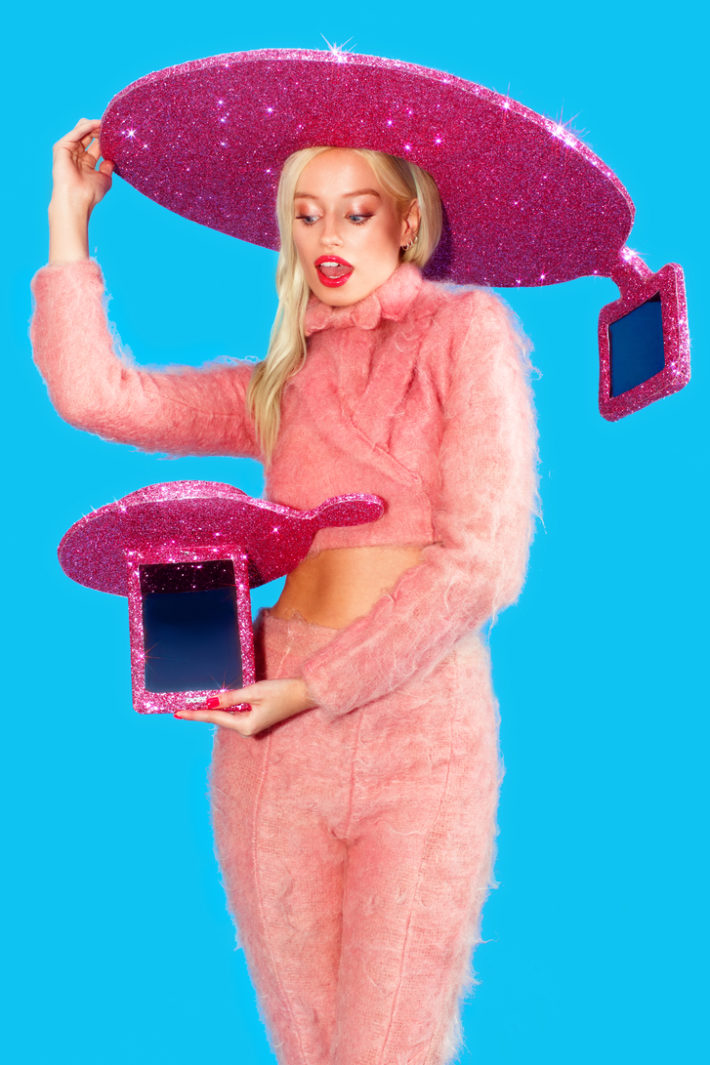 """Acer Is Taking Selfies To A New Level With The """"Selfie-Hat"""""""